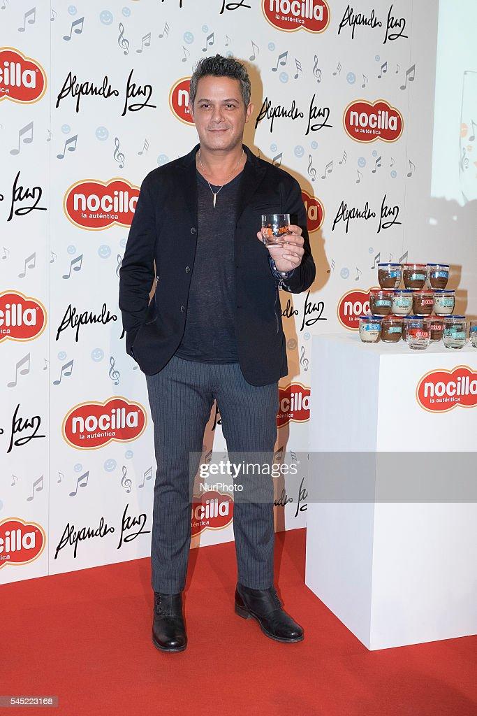 Alejandro Sanz Presents Nocilla New Glasses Collection