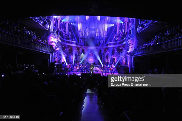 Alejandro Sanz performs on stage at palau de la Musica on November 28 2012 in Barcelona Spain