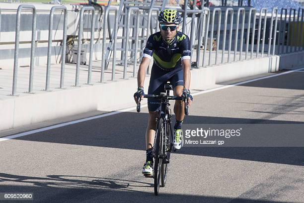 ALCANIZ SPAIN SEPTEMBER Alejandro Valverde of Spain and Team Movistar rides the bicycle in pit during the preevent Movistar photo shooting during the...