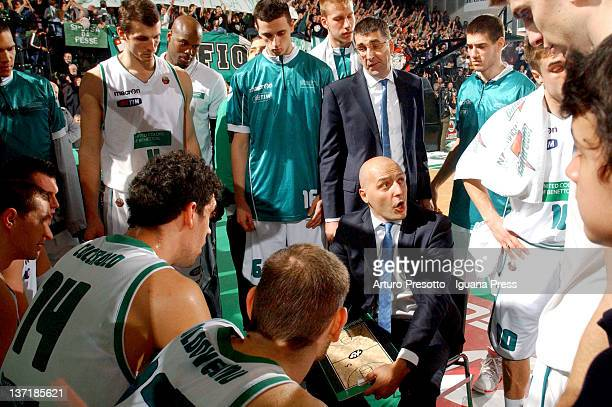 Aleksandar Djordjevic head coach of Benetton in action during the Lega Basket Serie A match between Benetton Treviso and Umana Venezia at Palaverde...