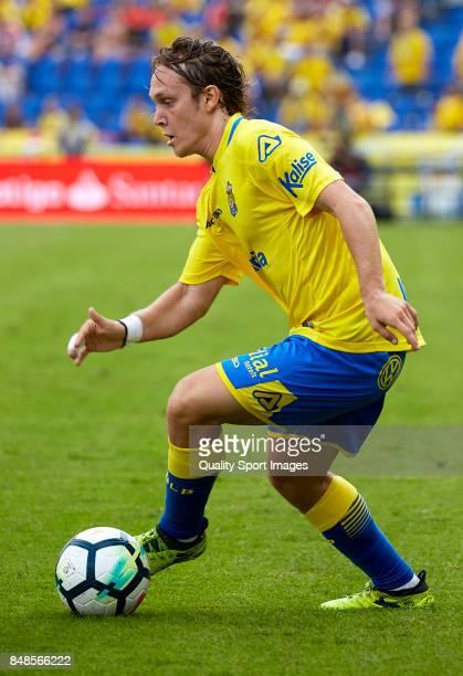 Alen Halilovic of Las Palmas runs with the ball during the La Liga match between Las Palmas and Athletic Club at Estadio Gran Canaria on September 17...