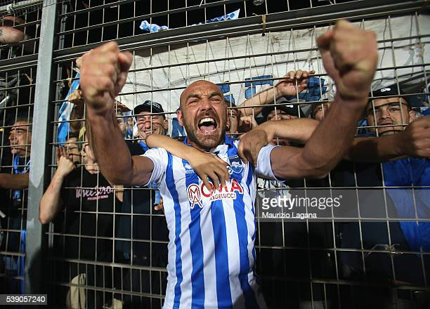 Alessadro Bruno of Pescara celebrates after the Serie B match between Trapani Calcio and Pescara Calcio at Stadio Provinciale on June 9 2016 in...
