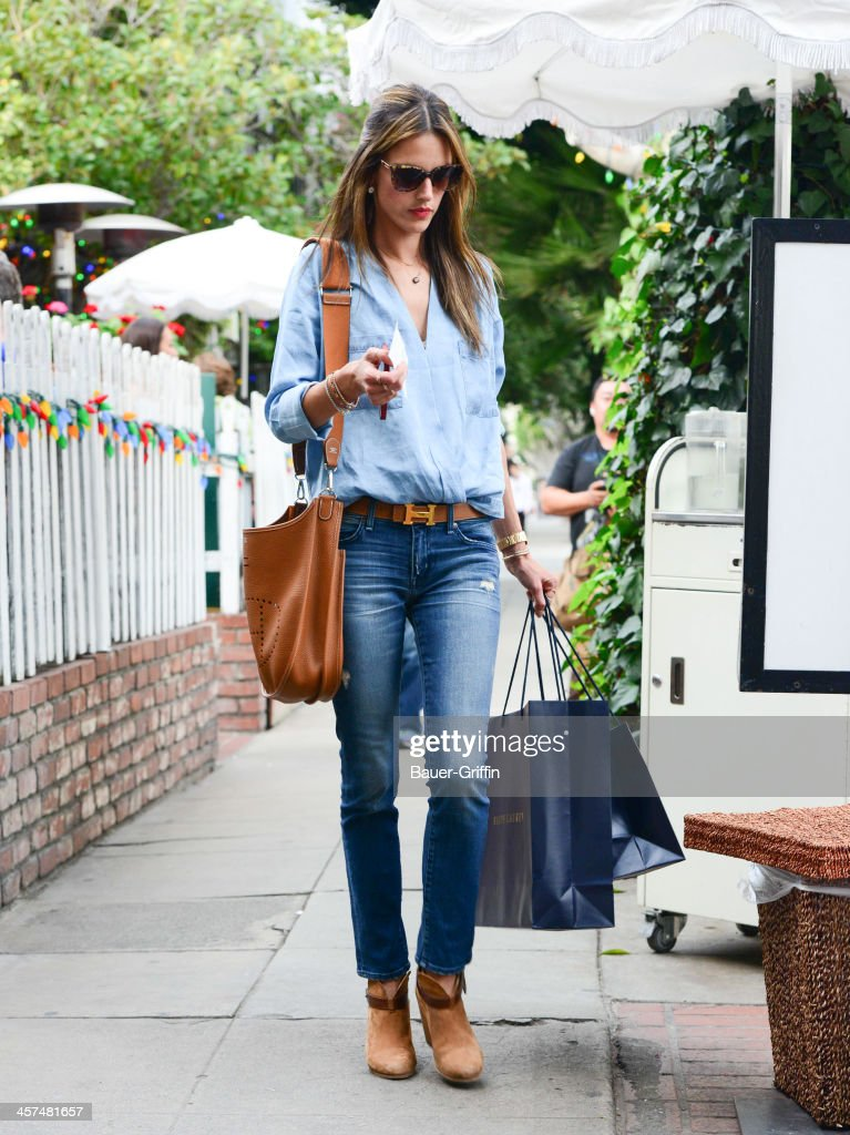 <a gi-track='captionPersonalityLinkClicked' href=/galleries/search?phrase=Alessandra+Ambrosio&family=editorial&specificpeople=203062 ng-click='$event.stopPropagation()'>Alessandra Ambrosio</a> is seen on December 17, 2013 in Los Angeles, California.