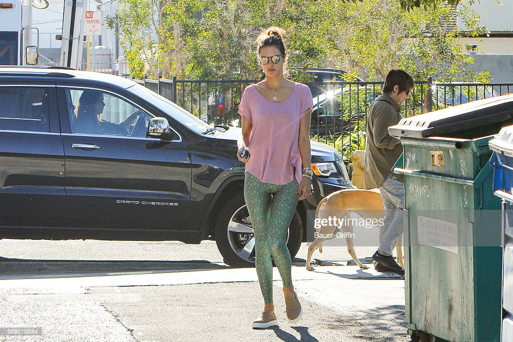 <a gi-track='captionPersonalityLinkClicked' href=/galleries/search?phrase=Alessandra+Ambrosio&family=editorial&specificpeople=203062 ng-click='$event.stopPropagation()'>Alessandra Ambrosio</a> is seen on February 09, 2016 in Los Angeles, California.