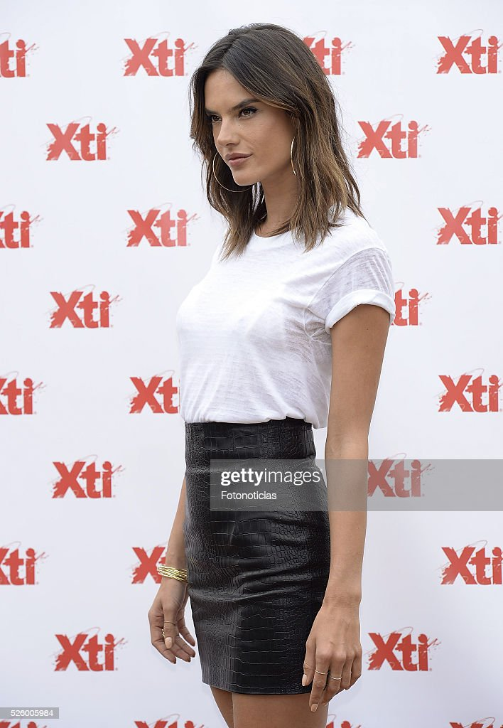 <a gi-track='captionPersonalityLinkClicked' href=/galleries/search?phrase=Alessandra+Ambrosio&family=editorial&specificpeople=203062 ng-click='$event.stopPropagation()'>Alessandra Ambrosio</a> presents the 'Xti' shoes spring-summer 2016 campaign at the ME Hotel on April 29, 2016 in Madrid, Spain.