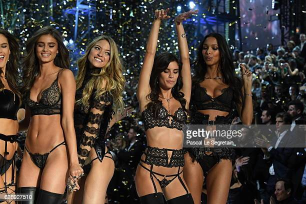 Alessandra Ambrosio Taylor Hill Martha Hunt Sara Sampaio and Lais Ribeiro walk the runway at the Victoria's Secret Fashion Show on November 30 2016...