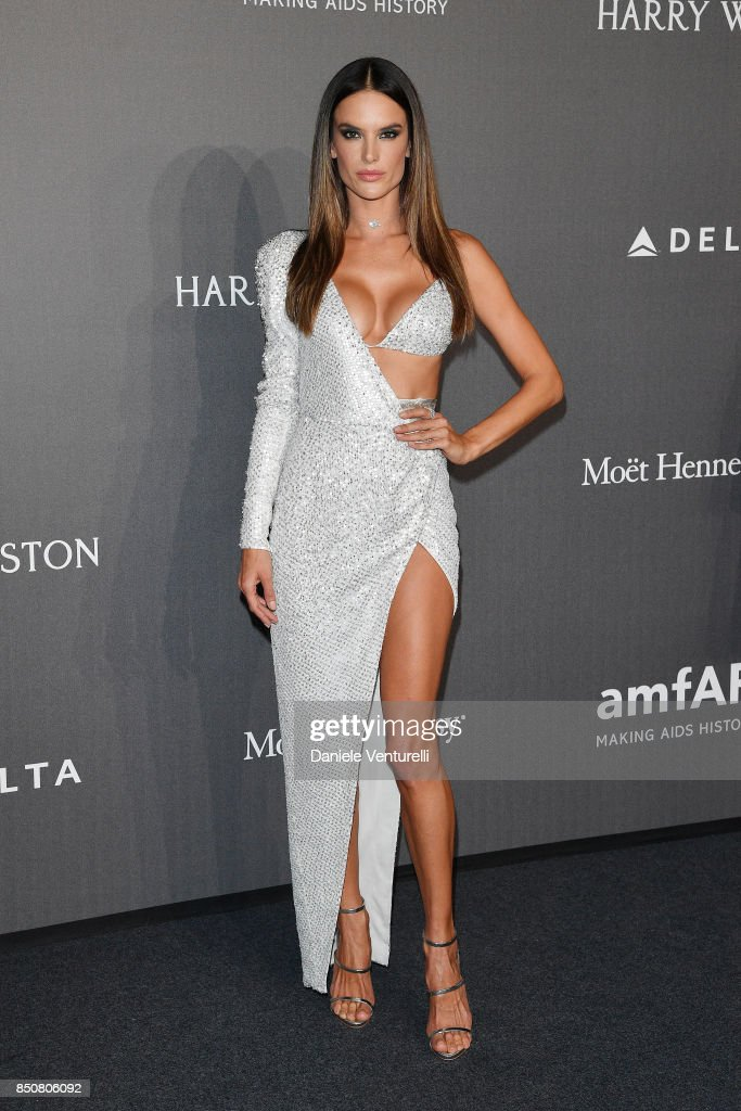 Alessandra Ambrosio walks the red carpet of amfAR Gala Milano on September 21, 2017 in Milan, Italy.