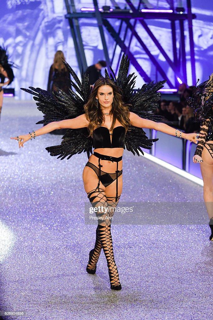 alessandra-ambrosio-walks-the-runway-2016-victorias-secret-fashion-picture-id626924856
