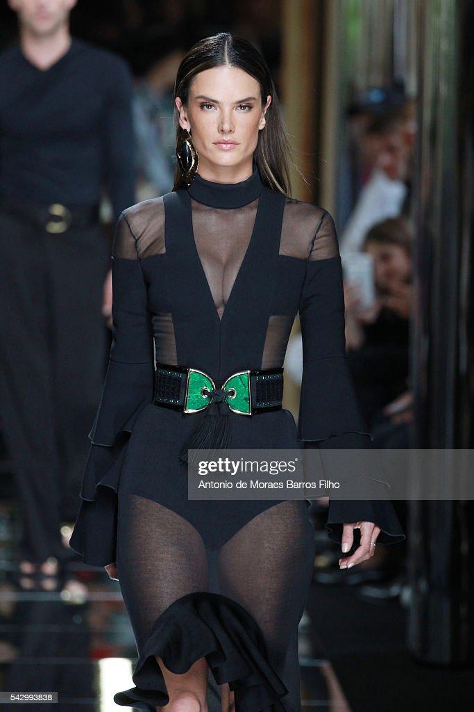 Alessandra Ambrosio walks the runway during the Balmain Menswear Spring/Summer 2017 show as part of Paris Fashion Week on June 25, 2016 in Paris, France.