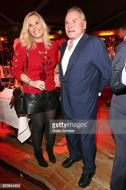 Alessandra Geissel and Fritz Wepper during the VIP premiere of Schubeck's Teatro at Spiegelzelt on November 3 2016 in Munich Germany