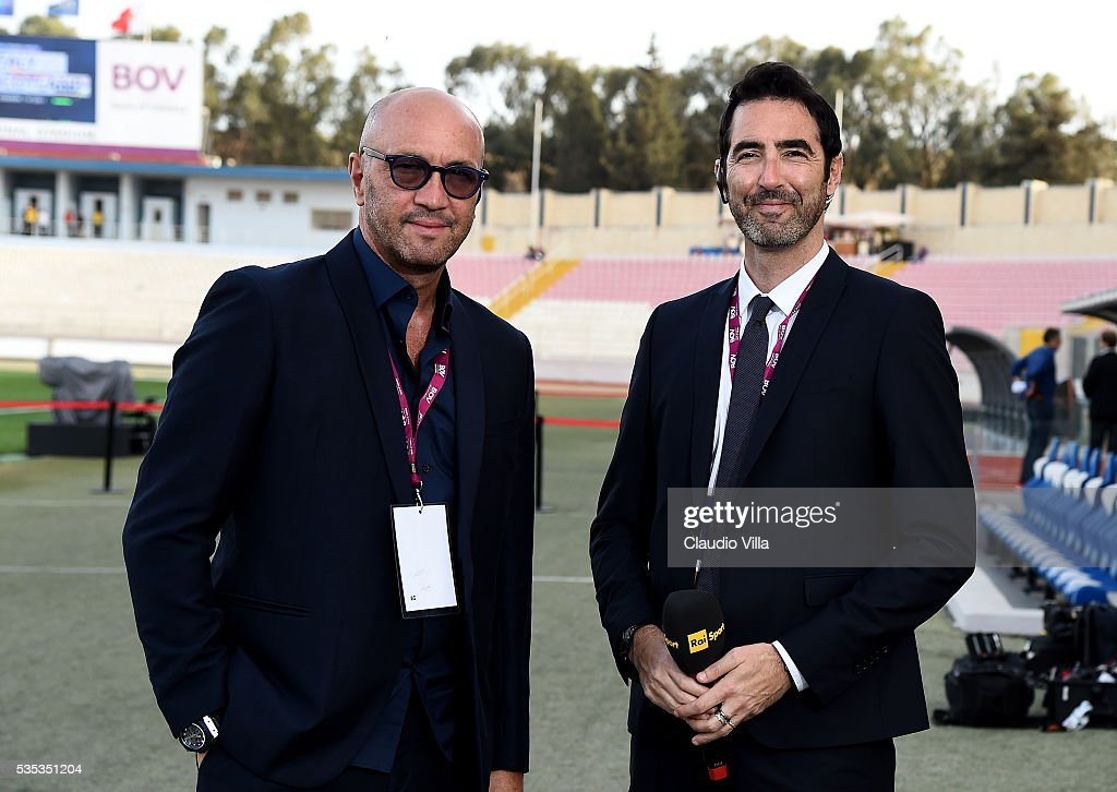 Alessandro Antinelli (R) and <a gi-track='captionPersonalityLinkClicked' href=/galleries/search?phrase=Walter+Zenga&family=editorial&specificpeople=891748 ng-click='$event.stopPropagation()'>Walter Zenga</a> attend prior to the international friendly between Italy and Scotland at Ta Qali Stadium on May 29, 2016 in Malta, Malta.