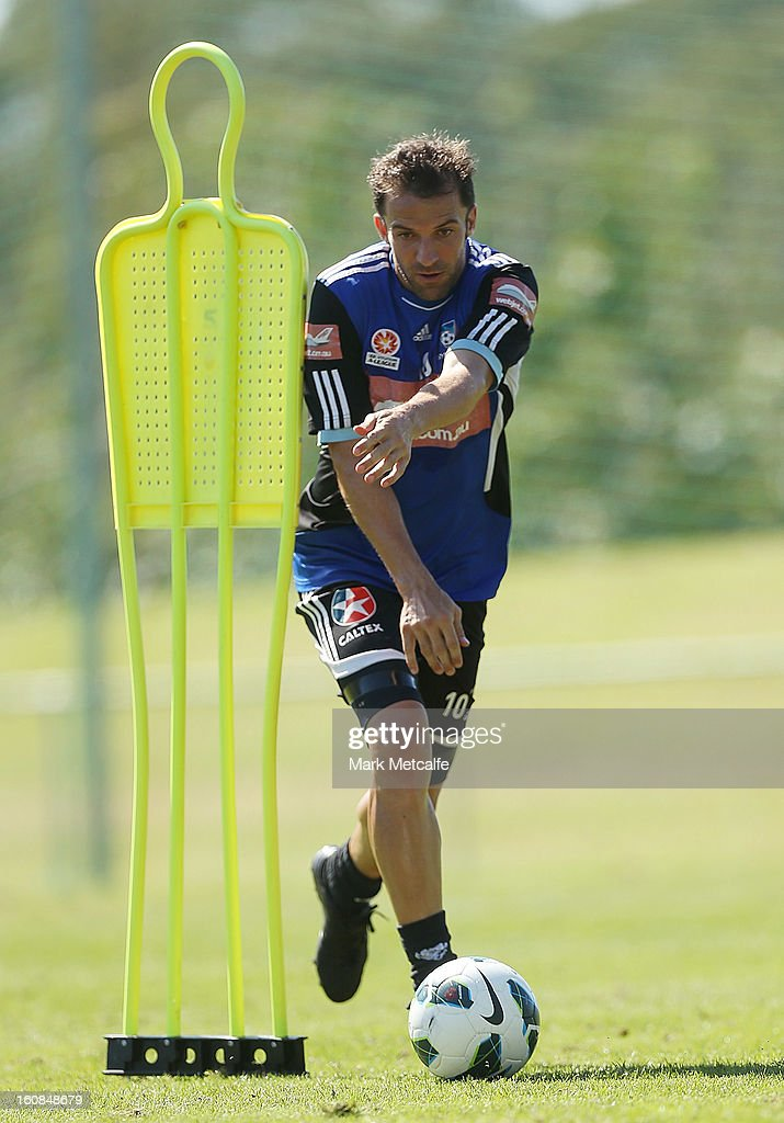 <a gi-track='captionPersonalityLinkClicked' href=/galleries/search?phrase=Alessandro+Del+Piero&family=editorial&specificpeople=206226 ng-click='$event.stopPropagation()'>Alessandro Del Piero</a> controls the ball during a Sydney FC A-League training session at Macquarie Uni on February 7, 2013 in Sydney, Australia.