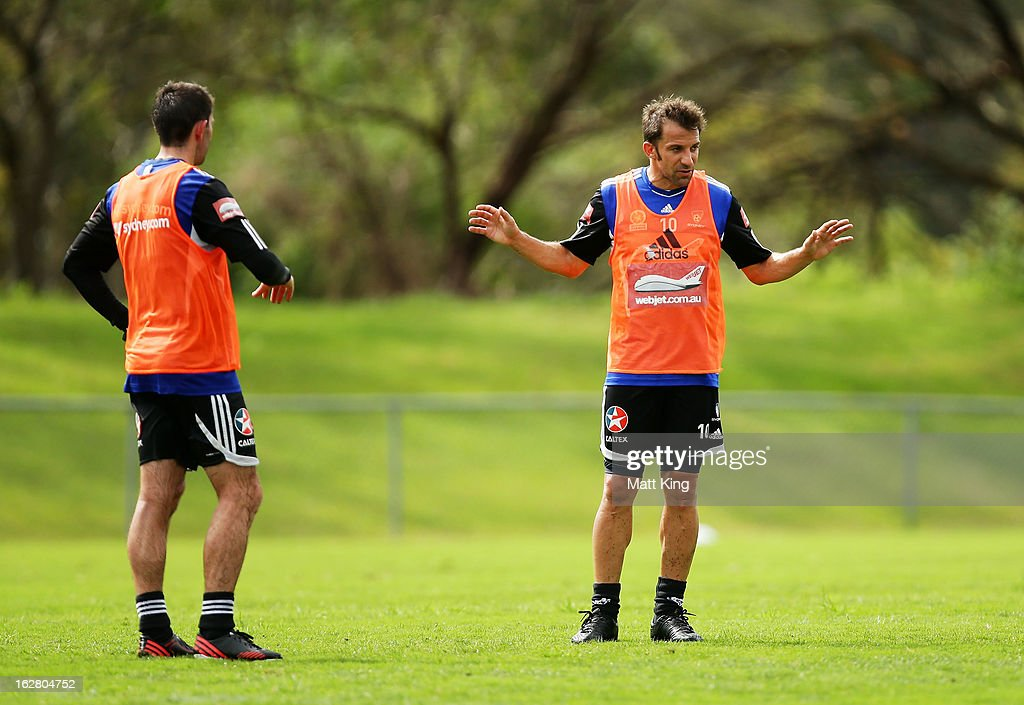 <a gi-track='captionPersonalityLinkClicked' href=/galleries/search?phrase=Alessandro+Del+Piero&family=editorial&specificpeople=206226 ng-click='$event.stopPropagation()'>Alessandro Del Piero</a> directs team mates during a Sydney FC A-League training session at Macquarie Uni on February 28, 2013 in Sydney, Australia.