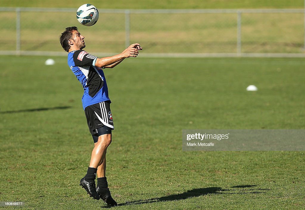 <a gi-track='captionPersonalityLinkClicked' href=/galleries/search?phrase=Alessandro+Del+Piero&family=editorial&specificpeople=206226 ng-click='$event.stopPropagation()'>Alessandro Del Piero</a> heads the ball during a Sydney FC A-League training session at Macquarie Uni on February 7, 2013 in Sydney, Australia.
