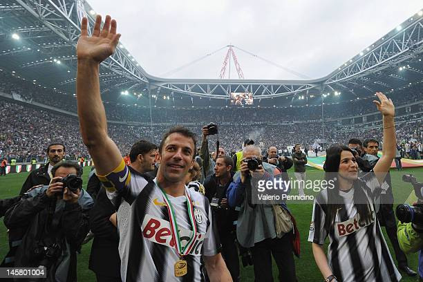 Alessandro Del Piero of Juventus FC and wife Sonia Amoruso salute the fans after the Serie A match between Juventus FC and Atalanta BC at Juventus...