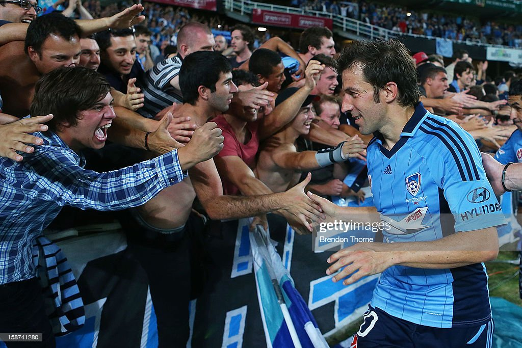 <a gi-track='captionPersonalityLinkClicked' href=/galleries/search?phrase=Alessandro+Del+Piero&family=editorial&specificpeople=206226 ng-click='$event.stopPropagation()'>Alessandro Del Piero</a> of Sydney celebrates with fans following the round 13 A-League match between Sydney FC and the Central Coast Mariners at Allianz Stadium on December 27, 2012 in Sydney, Australia.