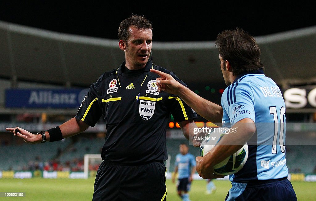 <a gi-track='captionPersonalityLinkClicked' href=/galleries/search?phrase=Alessandro+Del+Piero&family=editorial&specificpeople=206226 ng-click='$event.stopPropagation()'>Alessandro Del Piero</a> of Sydney has words with referee Peter Green during the round eight A-League match between Sydney FC and Adelaide United at Allianz Stadium on November 23, 2012 in Sydney, Australia.