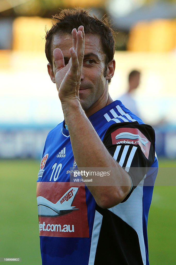 <a gi-track='captionPersonalityLinkClicked' href=/galleries/search?phrase=Alessandro+Del+Piero&family=editorial&specificpeople=206226 ng-click='$event.stopPropagation()'>Alessandro Del Piero</a> of Sydney leaves the field after the warm-up during the round 15 A-League match between the Perth Glory and Sydney FC at nib Stadium on January 5, 2013 in Perth, Australia.