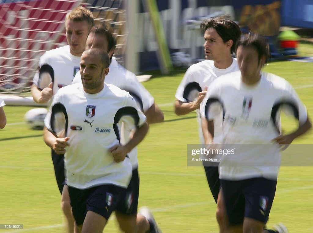 Alessandro Del Piero (front, L) runs during an Italy National Football Team training session on July 01, 2006 in Duisburg, Germany.