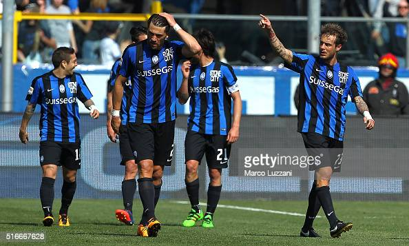 Alessandro Diamanti of Atalanta BC celebrates his goal during the Serie A match between Atalanta BC and Bologna FC at Stadio Atleti Azzurri d'Italia...