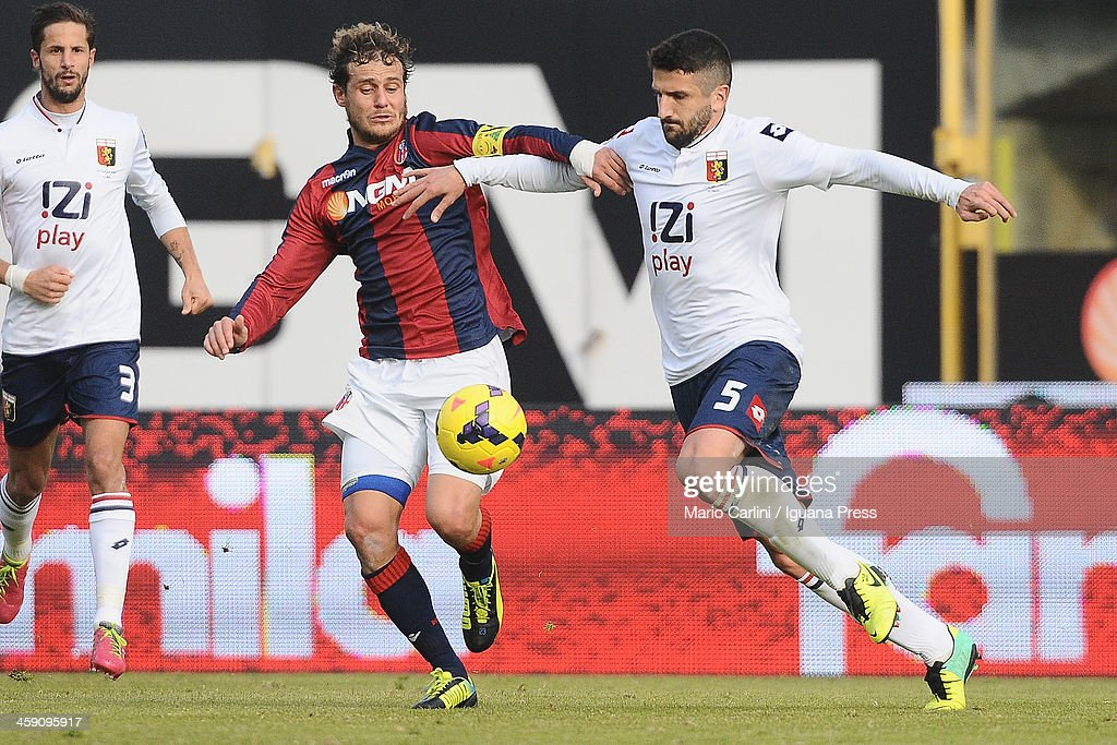 <a gi-track='captionPersonalityLinkClicked' href=/galleries/search?phrase=Alessandro+Diamanti&family=editorial&specificpeople=4891338 ng-click='$event.stopPropagation()'>Alessandro Diamanti</a> # 23 of Bologna FC (L) competes for the ball with <a gi-track='captionPersonalityLinkClicked' href=/galleries/search?phrase=Alessandro+Gamberini&family=editorial&specificpeople=695639 ng-click='$event.stopPropagation()'>Alessandro Gamberini</a> # 5 of CFC Genoa (R) during the Serie A match between Bologna FC and Genoa CFC at Stadio Renato Dall'Ara on December 22, 2013 in Bologna, Italy.