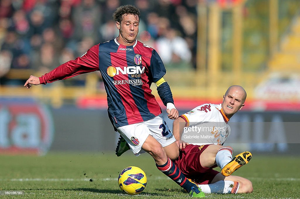 <a gi-track='captionPersonalityLinkClicked' href=/galleries/search?phrase=Alessandro+Diamanti&family=editorial&specificpeople=4891338 ng-click='$event.stopPropagation()'>Alessandro Diamanti</a> (L) of Bologna FC fights for the ball with Michael Bradley of AS Roma during the Serie A match between Bologna FC and AS Roma at Stadio Renato Dall'Ara on January 27, 2013 in Bologna, Italy.