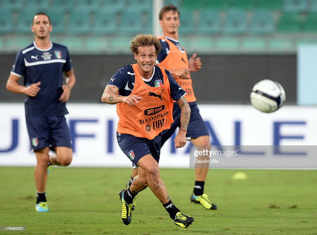 <a gi-track='captionPersonalityLinkClicked' href=/galleries/search?phrase=Alessandro+Diamanti&family=editorial&specificpeople=4891338 ng-click='$event.stopPropagation()'>Alessandro Diamanti</a> of Italy during a training session at Stadio Renzo Barbera on September 5, 2013 in Palermo, Italy.