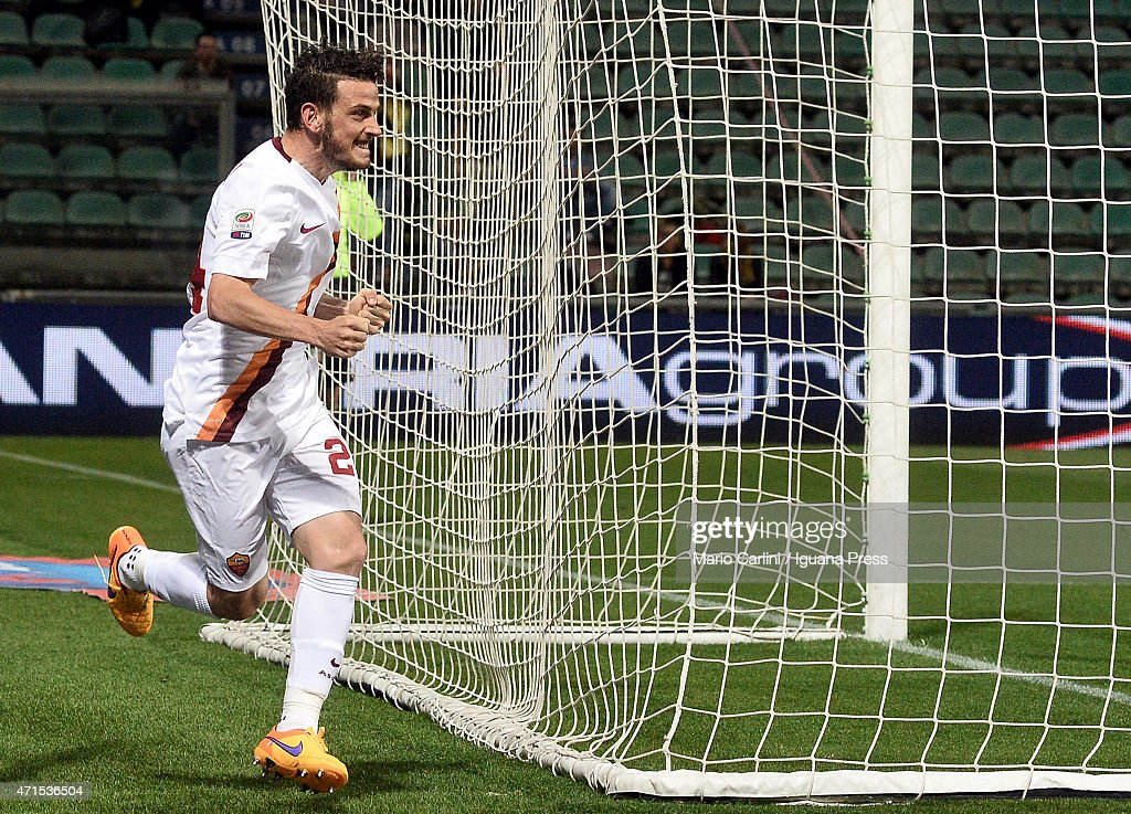 Alessandro Florenzi # 24 of AS Roma celebrates after scoring his team's second goal during the Serie A match between US Sassuolo Calcio and AS Roma on April 29, 2015 in Reggio nell'Emilia, Italy.