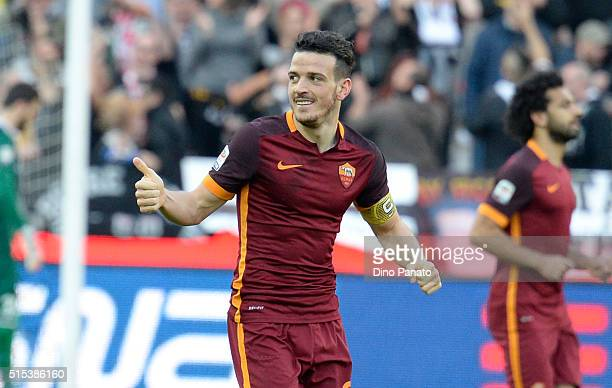 Alessandro Florenzi of AS Roma celebrates after scoring his team's second goal during the Serie A match between Udinese Calcio and AS Roma at Stadio...