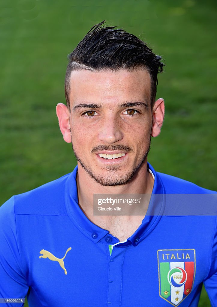 ¿Cuánto mide Alessandro Florenzi? - Real height Alessandro-florenzi-of-italy-poses-during-the-official-portrait-at-picture-id486096228