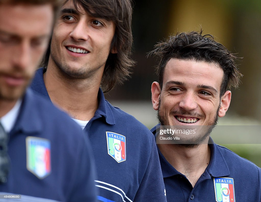 <a gi-track='captionPersonalityLinkClicked' href=/galleries/search?phrase=Alessandro+Florenzi&family=editorial&specificpeople=7349992 ng-click='$event.stopPropagation()'>Alessandro Florenzi</a> (R) prior to the Italy Training Session at Coverciano on September 2, 2014 in Florence, Italy.