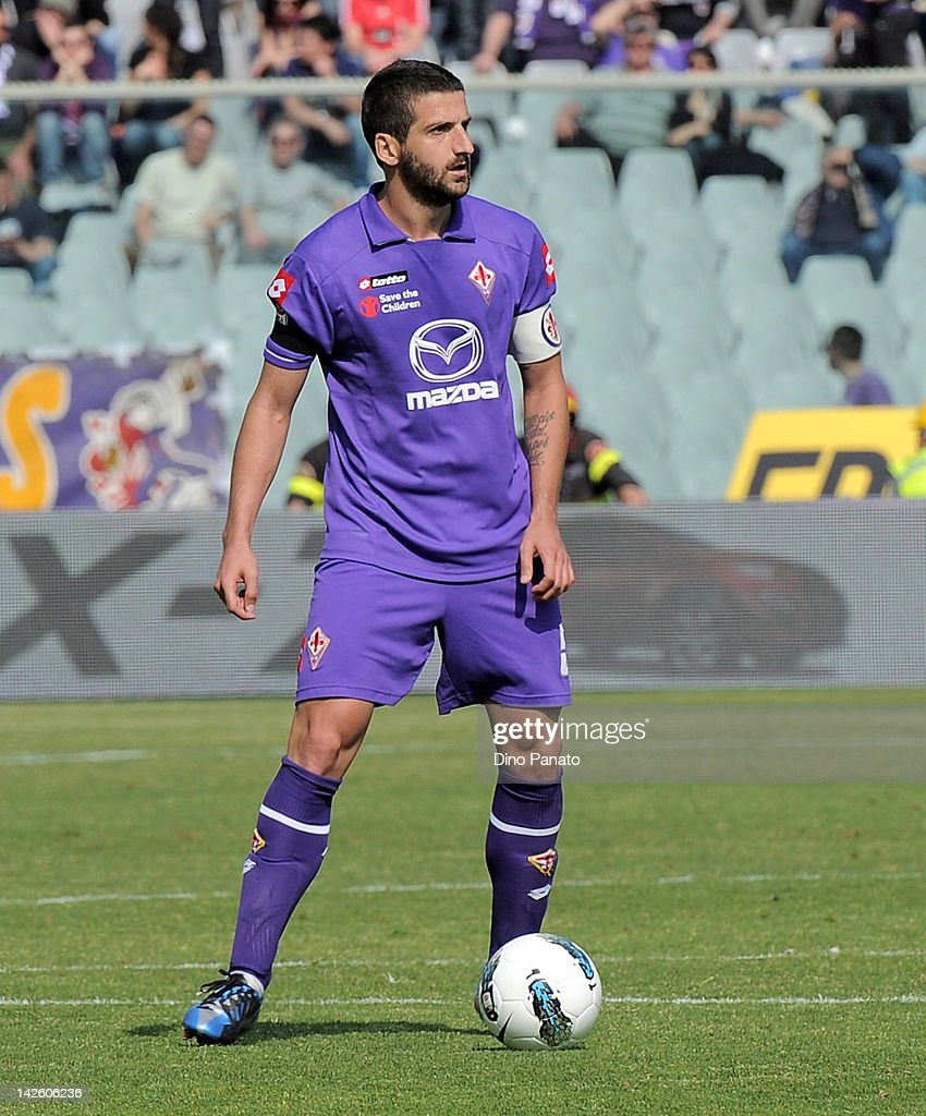<a gi-track='captionPersonalityLinkClicked' href=/galleries/search?phrase=Alessandro+Gamberini&family=editorial&specificpeople=695639 ng-click='$event.stopPropagation()'>Alessandro Gamberini</a> of Fiorentina in action during the Serie A match between ACF Fiorentina and AC Chievo Verona at Stadio Artemio Franchi on April 1, 2012 in Florence, Italy.