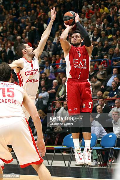 Alessandro Gentile #5 of EA7 Emporio Armani Milan in action during the Turkish Airlines Euroleague Basketball Regular Season date 4 game between EA7...