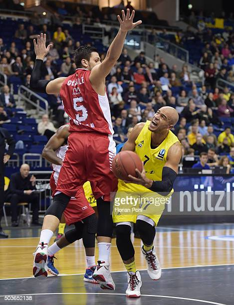 Alessandro Gentile of Emporio Armani Mailand and Alex King of ALBA Berlin during the game between Alba Berlin and Emporio Armani Mailand on january 6...