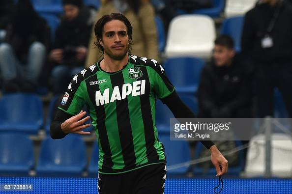 Alessandro Matri of Sassuolo celebrates after scoring the equalizing goal during the Serie A match between US Sassuolo and US Citta di Palermo at...