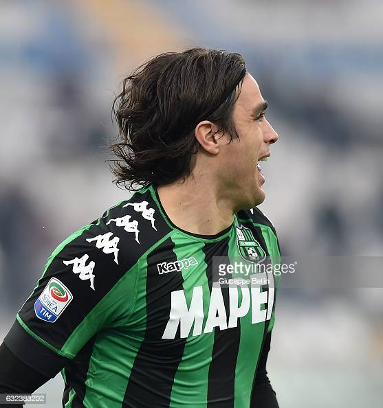 Alessandro Matri of US Sassuolo celebrates after scoring the opening goal during the Serie A match between Pescara Calcio and US Sassuolo at...
