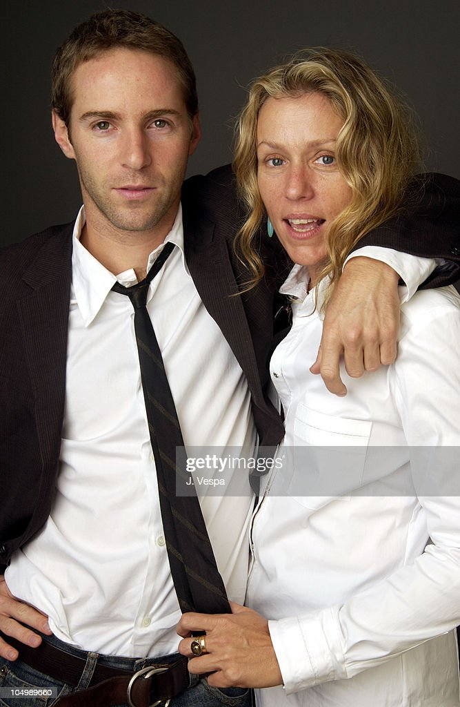 "2002 Toronto Film Festival - ""Laurel Canyon"" Portraits"
