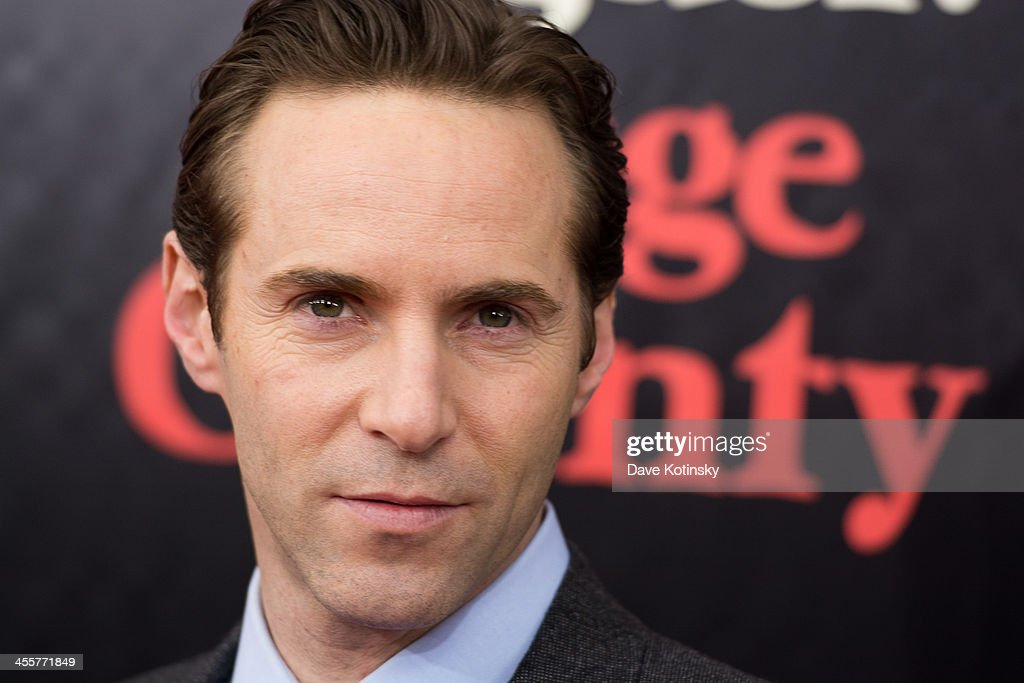 <a gi-track='captionPersonalityLinkClicked' href=/galleries/search?phrase=Alessandro+Nivola&family=editorial&specificpeople=240468 ng-click='$event.stopPropagation()'>Alessandro Nivola</a> attends the 'August: Osage County' premiere at Ziegfeld Theater on December 12, 2013 in New York City.