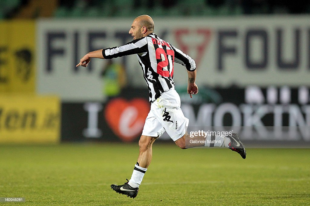 Alessandro Rosina (C) of AC Siena celebrates after scoring a goal during the Serie A match between AC Siena and S.S. Lazio at Stadio Artemio Franchi on February 18, 2013 in Siena, Italy.