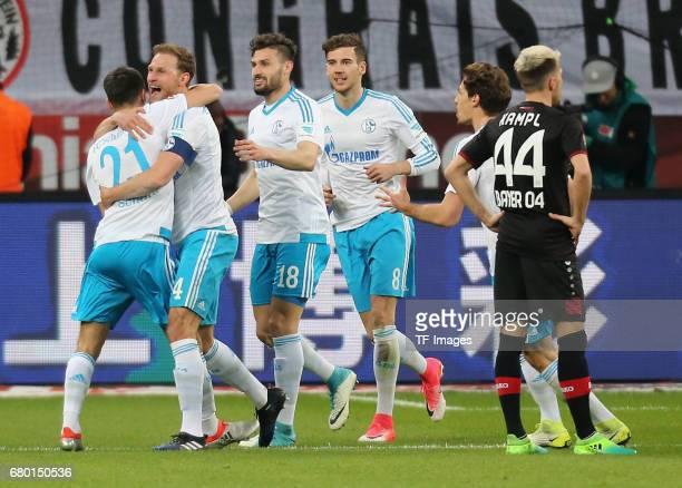 Alessandro Schoepf Benedikt Hoewedes Daniel Caligiuri Leon Goretzka gBenjamin Stambouli of Schalke and Kevin Kampl of Leverkusen elebrates after...