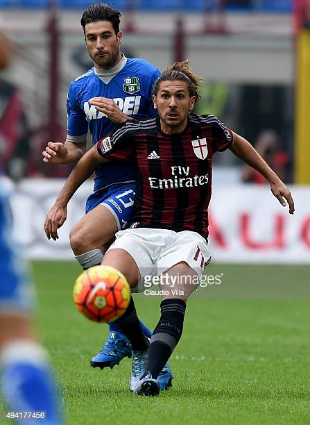 Alessio Cerci of AC Milan in action during the Serie A match between AC Milan and US Sassuolo Calcio at Stadio Giuseppe Meazza on October 25 2015 in...