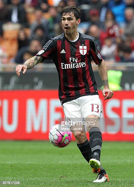 Alessio Romagnoli of AC Milan in action during the Serie A match between AC Milan and Frosinone Calcio at Stadio Giuseppe Meazza on May 1 2016 in...