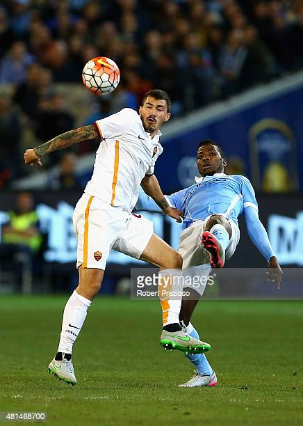Alessio Romagnoli of AS Roma and Kelechi Iheanacho of Manchester City contest the ball during the International Champions Cup friendly match between...