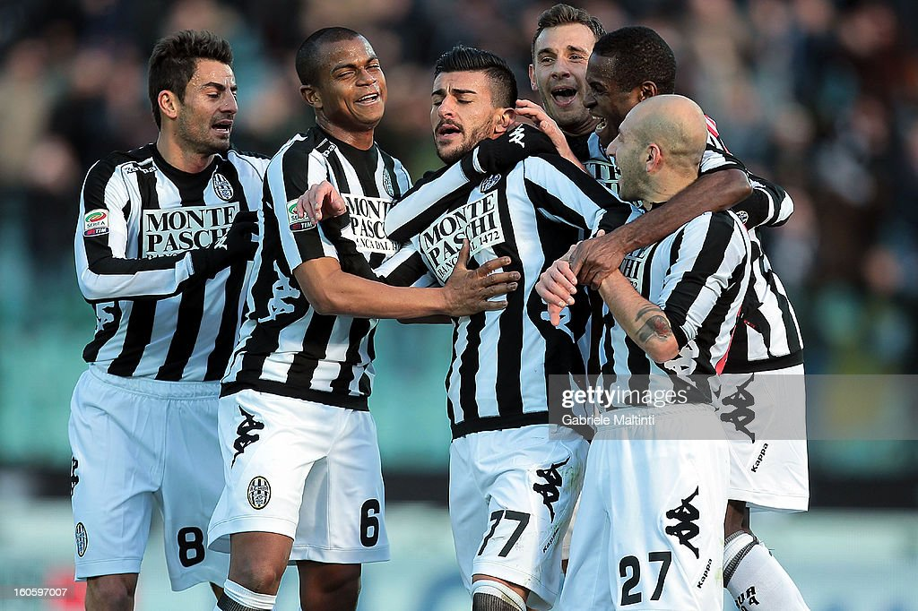 Alessio Sestu #77 of AC Siena celebrates with team mates after scoring a goal during the Serie A match between AC Siena and FC Internazionale Milano at Stadio Artemio Franchi on February 3, 2013 in Siena, Italy.