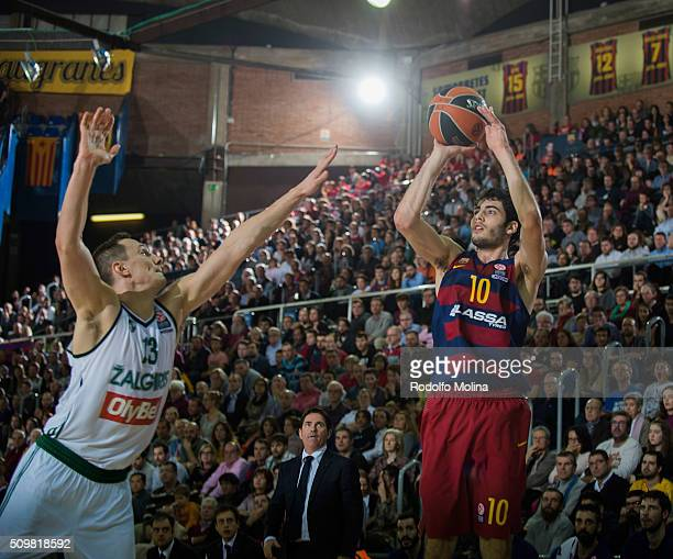 Alex Abrines #10 of FC Barcelona Lassa in action during the Turkish Airlines Euroleague Basketball Top 16 Round 7 game between FC Barcelona Lassa v...