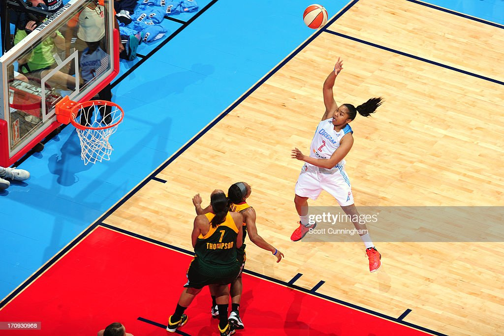 Alex Bentley #2 of the Atlanta Dream shoots against the Seattle Storm at Philips Arena on June 14, 2013 in Atlanta, Georgia.
