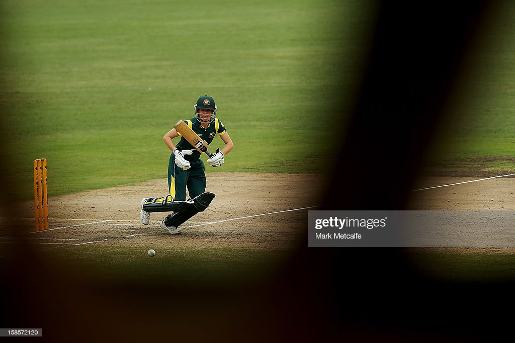 <a gi-track='captionPersonalityLinkClicked' href=/galleries/search?phrase=Alex+Blackwell&family=editorial&specificpeople=198941 ng-click='$event.stopPropagation()'>Alex Blackwell</a> of Australia bats during game four of the one day international series between the Australian Southern Stars and New Zealand at North Sydney Oval on December 19, 2012 in Sydney, Australia.