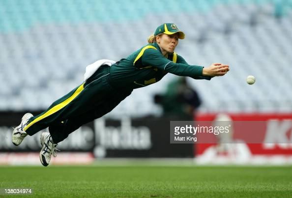Alex Blackwell of Australia dives for an unsuccessful catch during the women's International Twenty20 match between the Australian Southern Stars and...