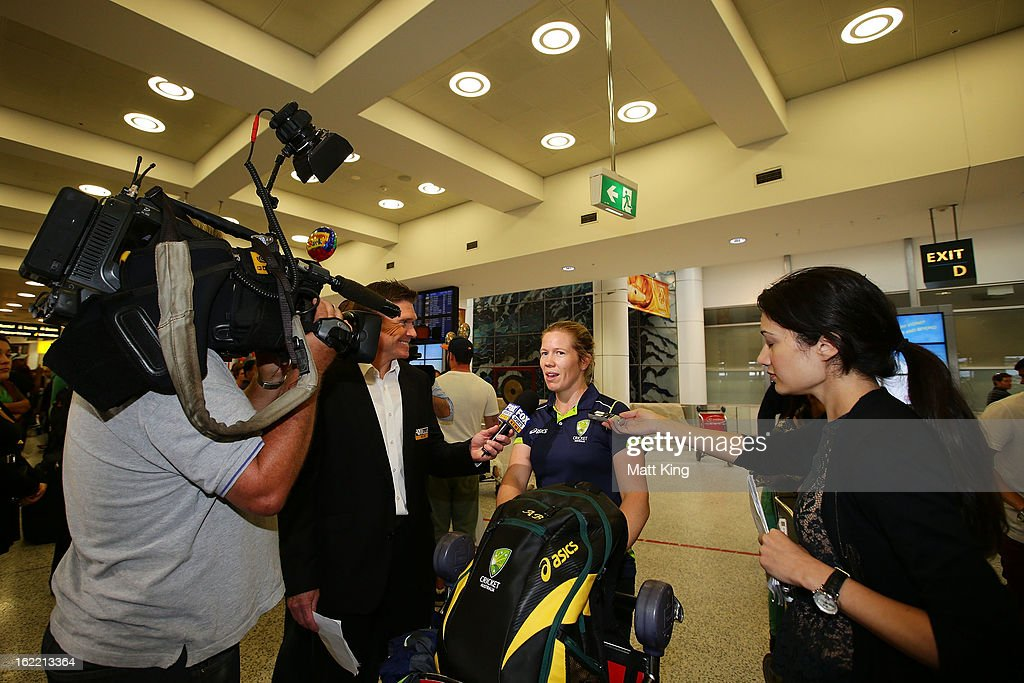 <a gi-track='captionPersonalityLinkClicked' href=/galleries/search?phrase=Alex+Blackwell&family=editorial&specificpeople=198941 ng-click='$event.stopPropagation()'>Alex Blackwell</a> of the Australian women's cricket team speaks to the media after arriving home following their win in the 2013 World Cup at Sydney International Airport on February 21, 2013 in Sydney, Australia.
