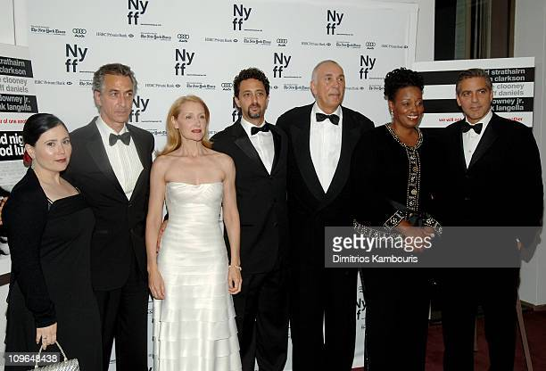 Alex Borstein David Strathairn Patricia Clarkson Grant Heslov coscreenwriter Frank Langella Dianne Reeves and George Clooney writerdirector